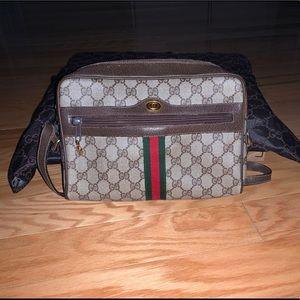 Authentic & vintage Gucci camera bag
